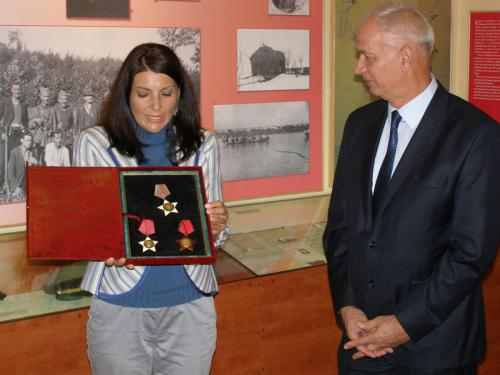 Војна одликовања из Другог светског рата на поклон зрењанинском Народном музеју
